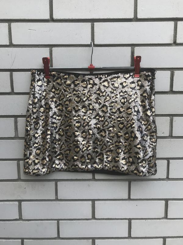 Очень красивая,мини юбка в паетки,вечерняя в леопардовый принт... - Фото 4