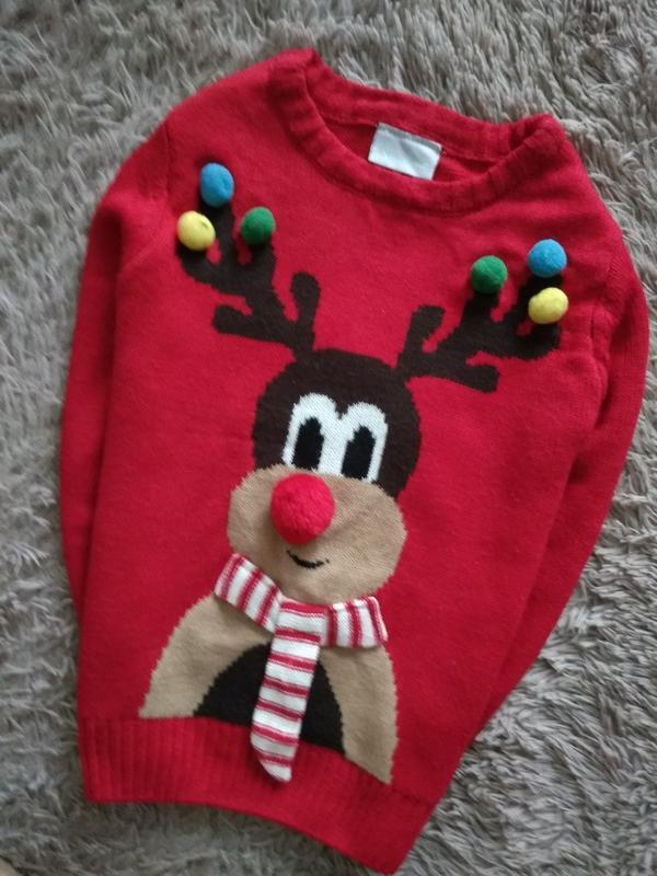 Невероятно красивий новогодний свитер,на 7 лет.