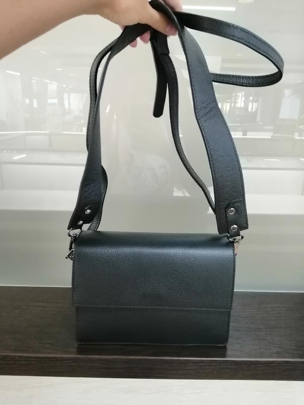 Кожаная итальянская сумка кросс-боди чёрного цвета