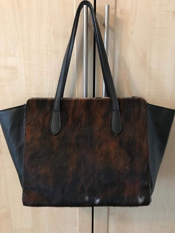 Красивая кожаная сумка с мехом пони италия
