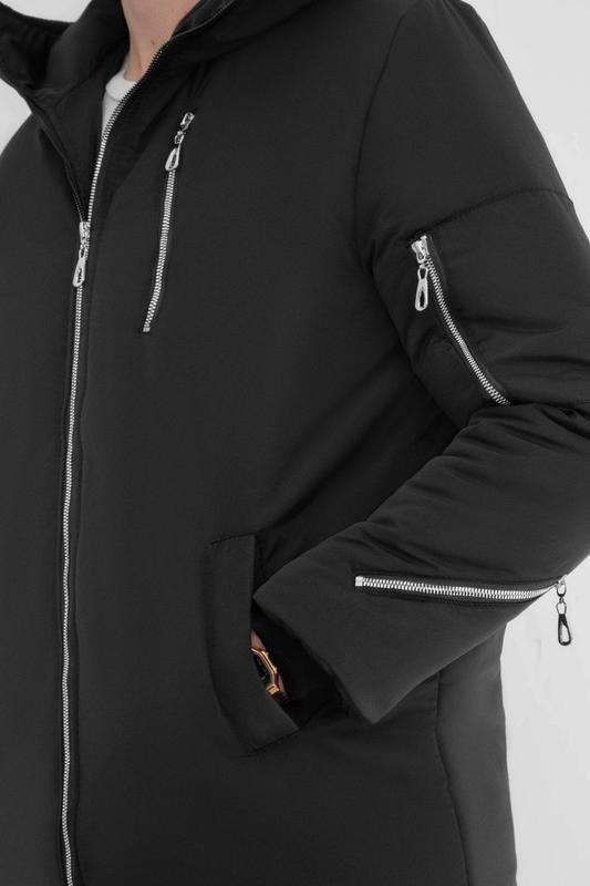 Мужская зимняя куртка удлиненная черная 🤗  с капюшоном и замками - Фото 2