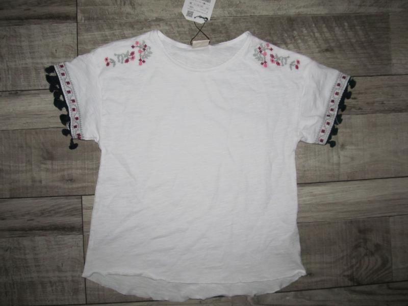 Вышитая трикотажная футболочка zara 122см