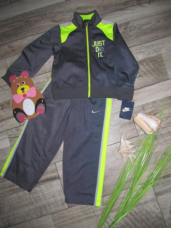Оригинальный спортивный костюм nike размер 3т возраст 2-3 года