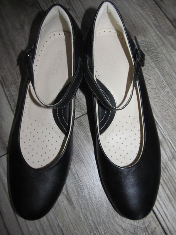 Натуральная кожа  женские туфли ecco р. 40  стелька 26,5