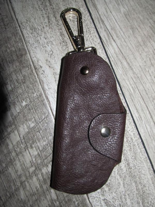 Классическая кожаная ключница   размер 13х9см