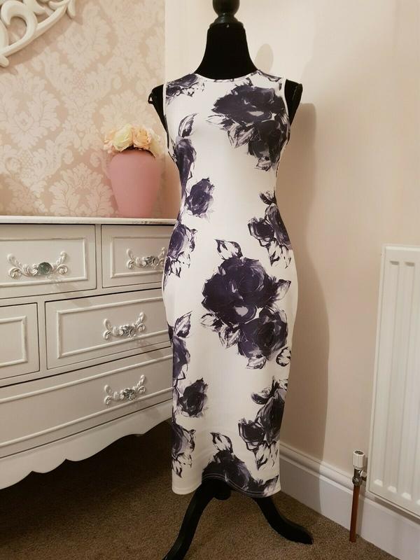 Красивенное стрейчевое платье miss selfridge uk р. 16