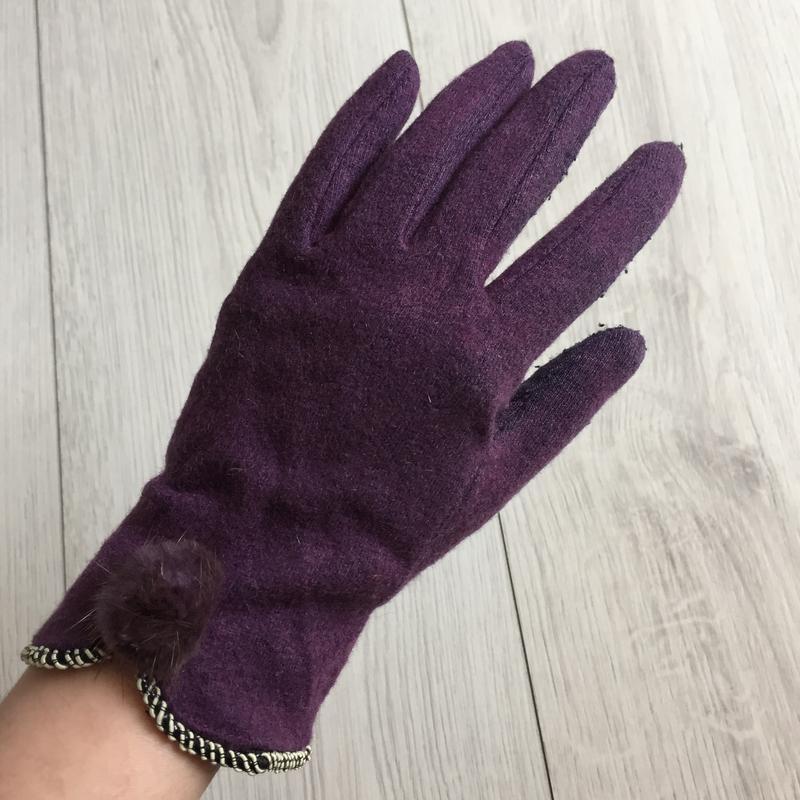 Перчатки, рукавиці.