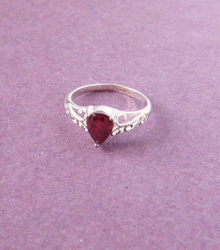 🏵потрясающее кольцо с гранатом-цирконом в серебре 925, 18 р., ... - Фото 4