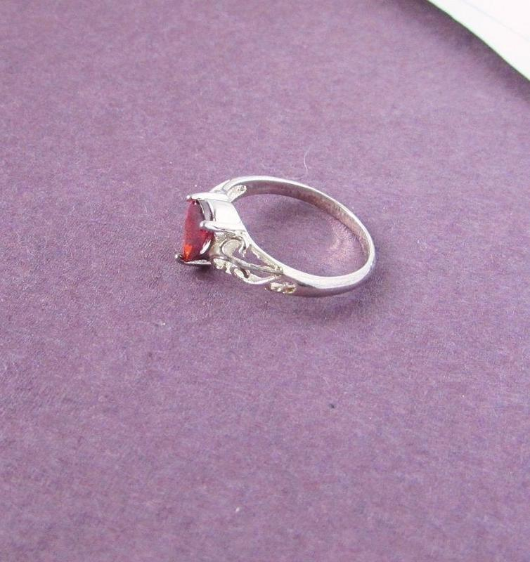🏵потрясающее кольцо с гранатом-цирконом в серебре 925, 18 р., ... - Фото 5