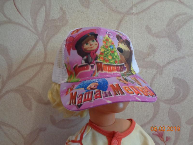 Яркие кепочки для девочки. несколько вариантов