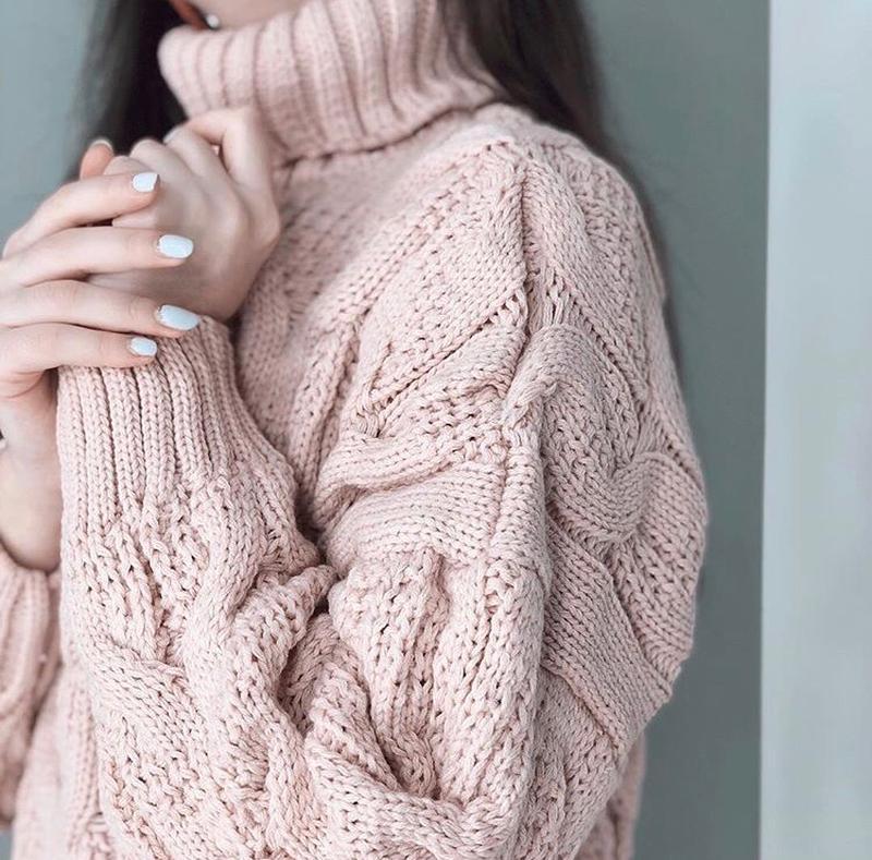 Тёплый мягкий свитер косы