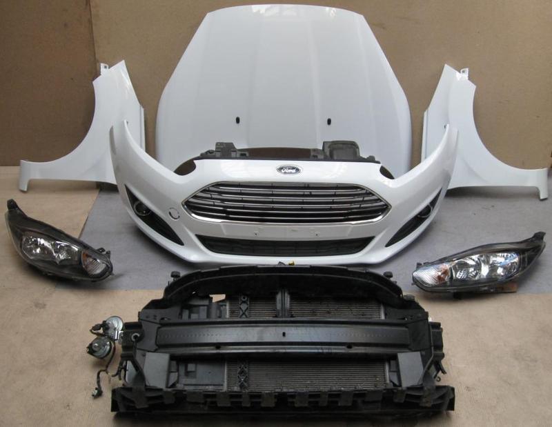 Б/у Накладка передней панели Ford Fiesta mk7