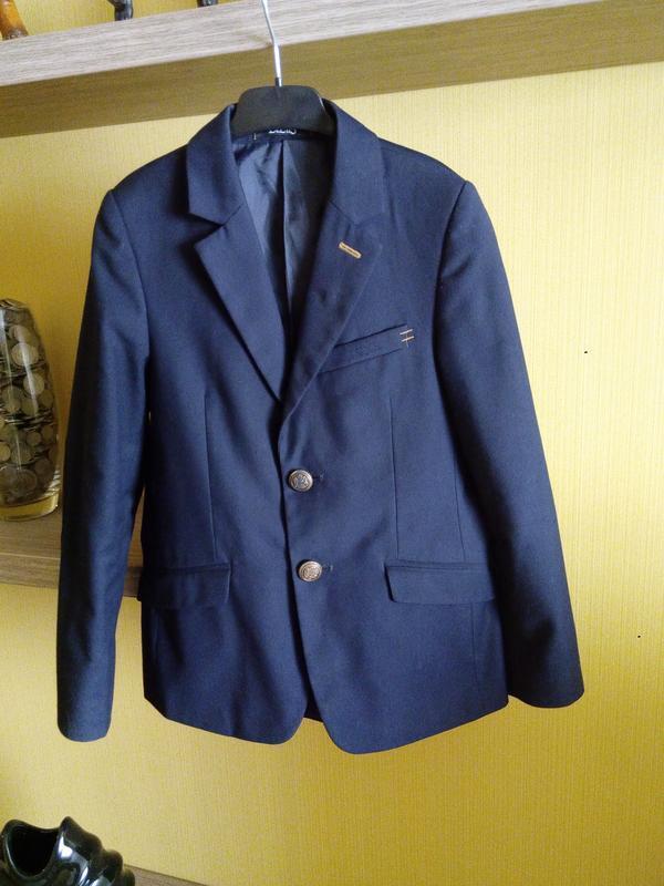 Школьная форма,костюм темно-синий,р.128/132 см,350 грн