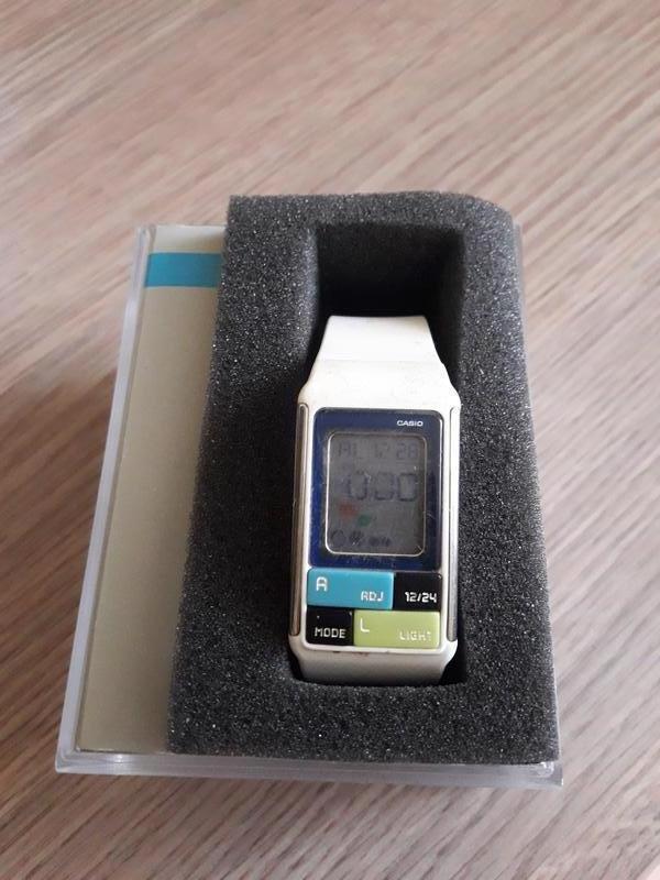 Женские часы  285 грн casio