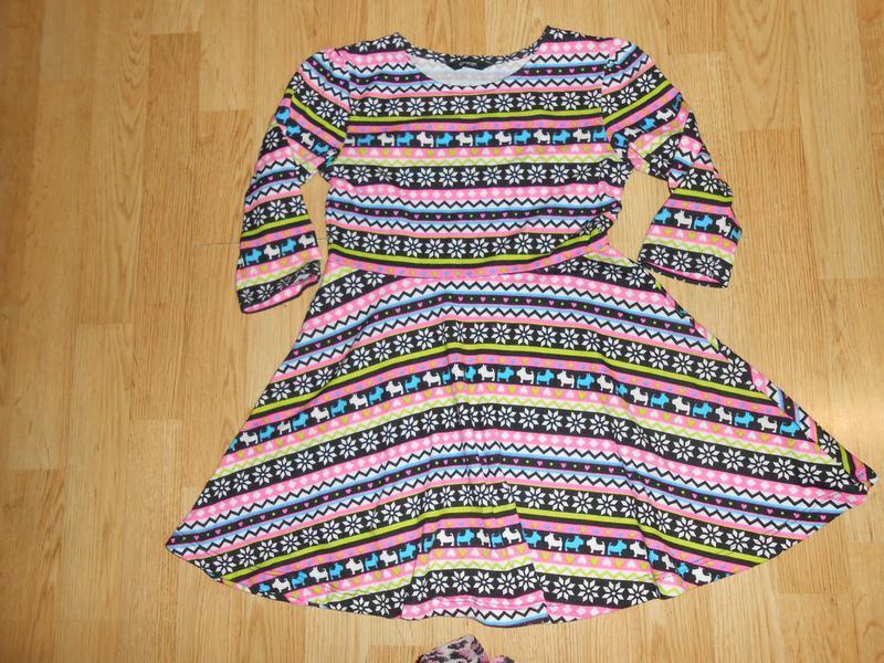 Платье на девочку 8-9 лет