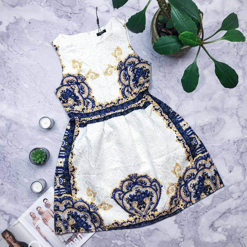 Шикарное новое платье футляр