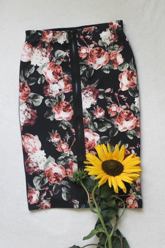 Юбка карандаш цветы от h&m, размер s