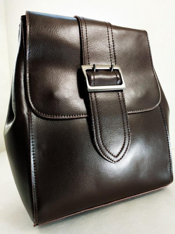 Кожаный качественный рюкзак