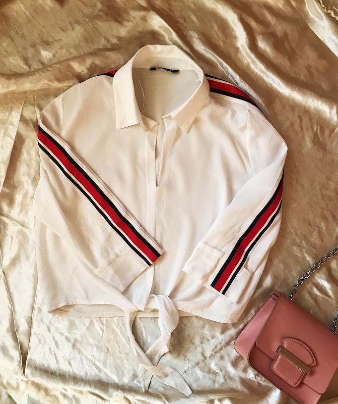 Крутая укороченная рубашка блуза с лампасами