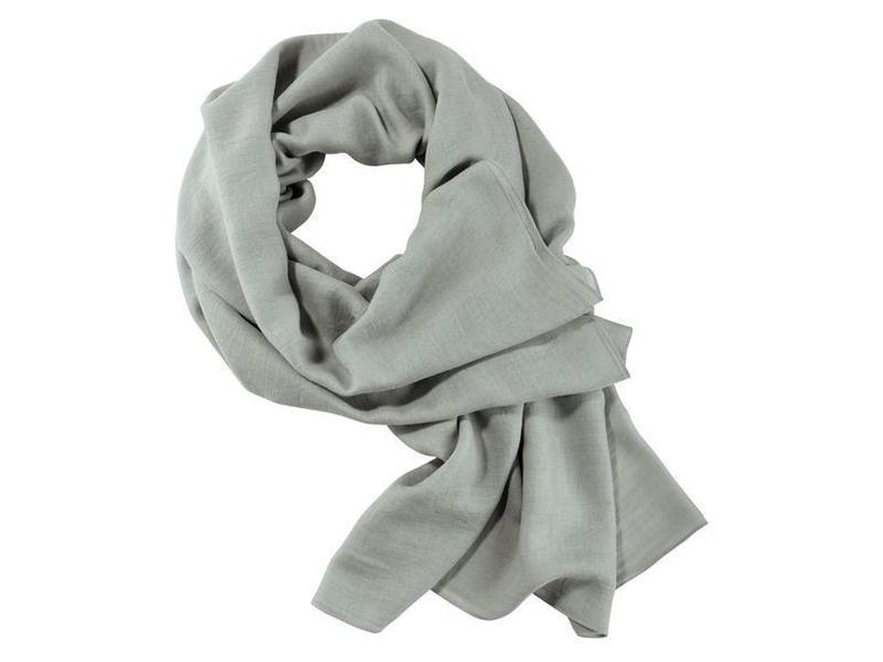 Женская лёгкая шаль от esmara