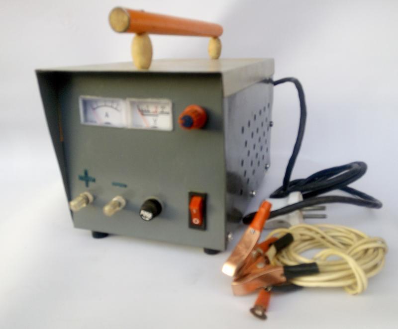 Зарядное устройство трансформаторное стрелочная индикация 10 А 6/