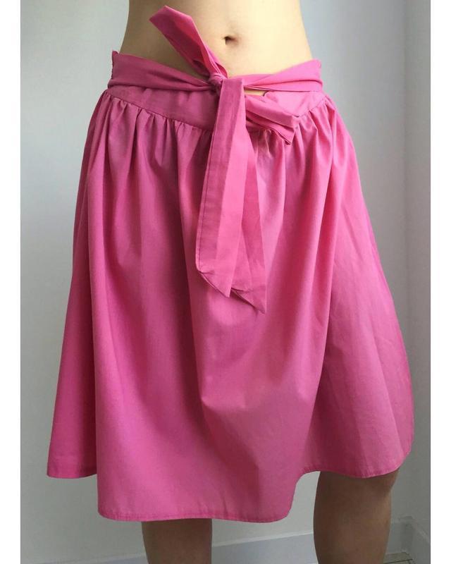 Розовая юбка, спідниця.