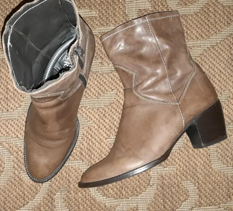 Шкіряні черевики італійського бренду