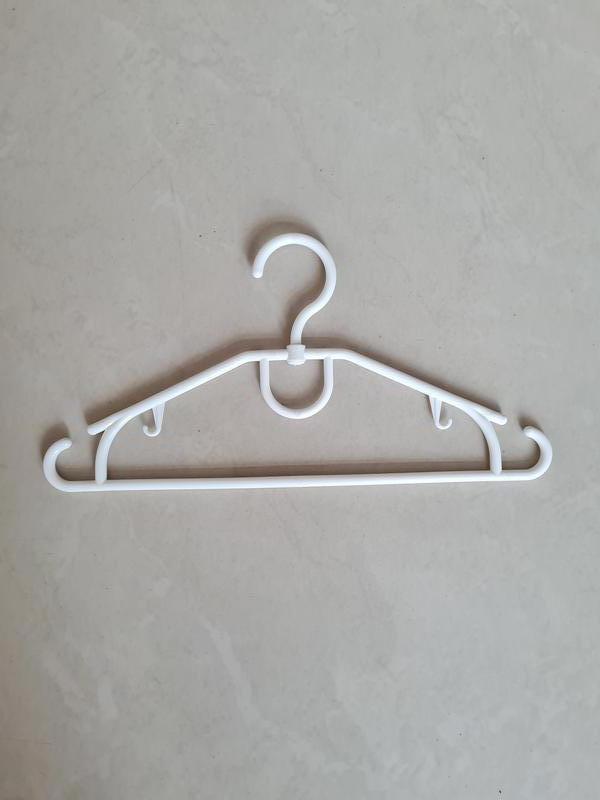 Плечики вешалки тремпеля детские, длина 32 см белые 10 шт. б/у
