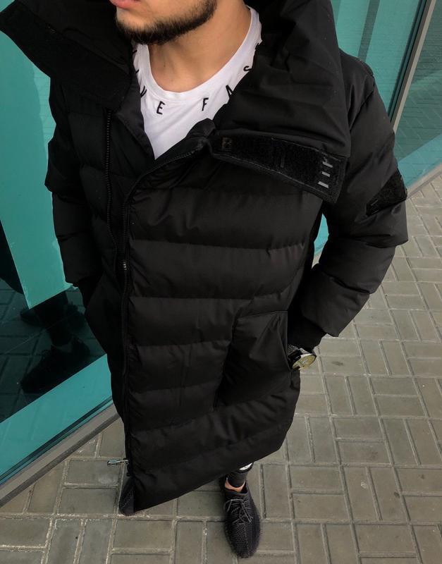 Шикарная мужская зимняя удлиненная чёрная куртка теплая стильная