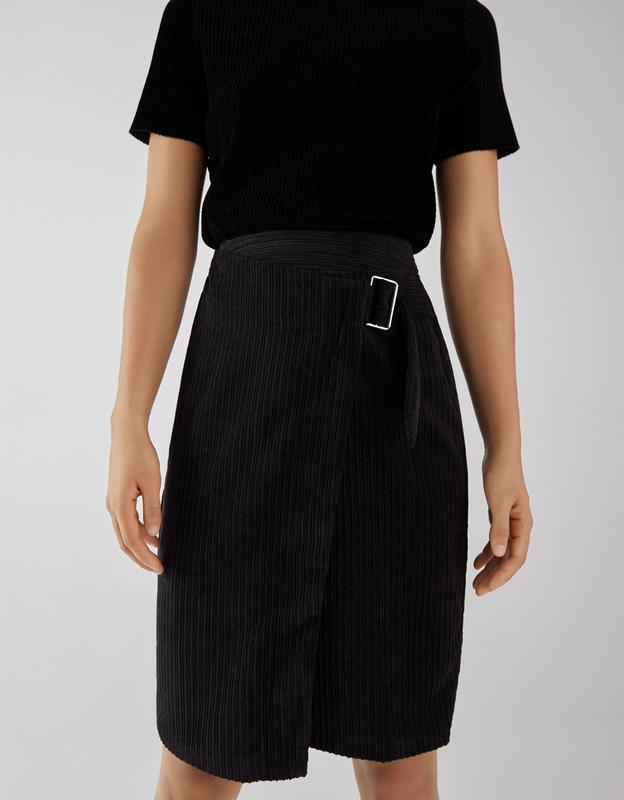 Шикарнейшая вельветовая юбка с поясом bershka хит 2019