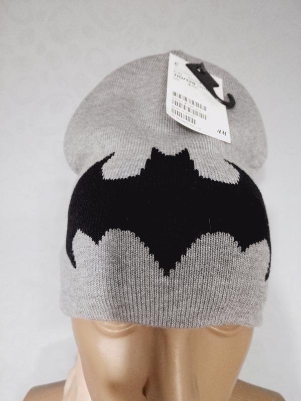 Крутая шапка на мальчика бэтман