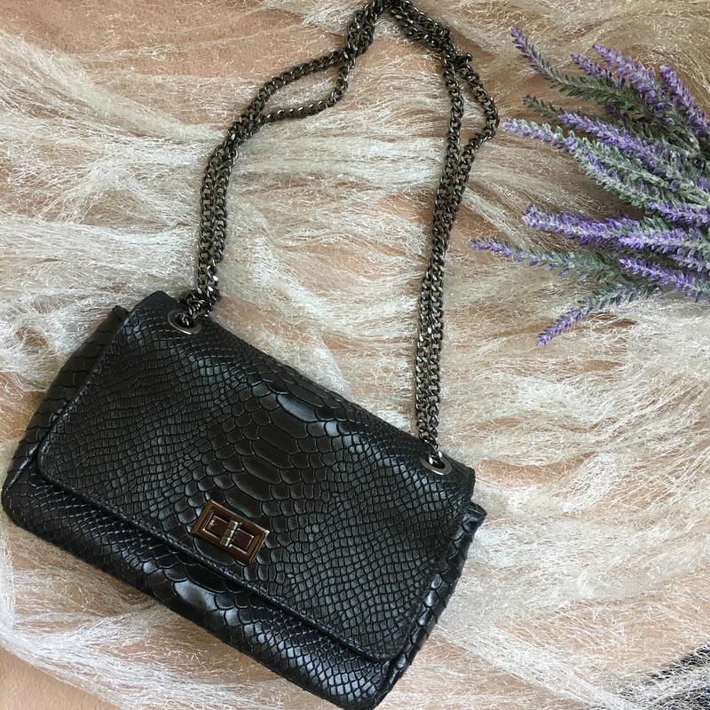 Стильная сумка сумочка из натуральной кожи в стиле chanel