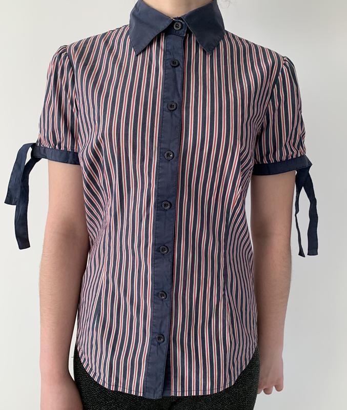 Рубашка в полоску червона з синім. зручна рубашка, сорочка.