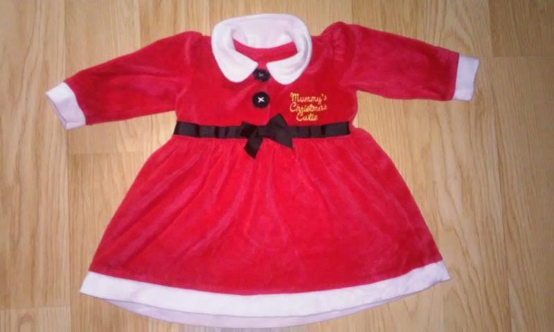 Новогоднее платье . на 12-18 месяцев