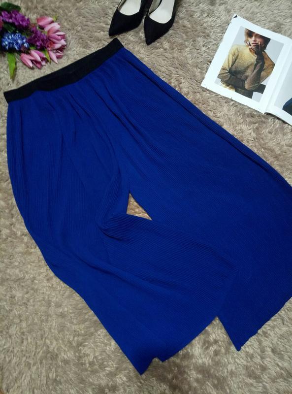 Плиссированные укороченные брюки