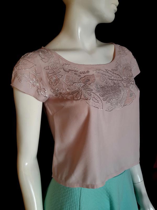 Кроп топ, блузка с вышивкой miss selfridge