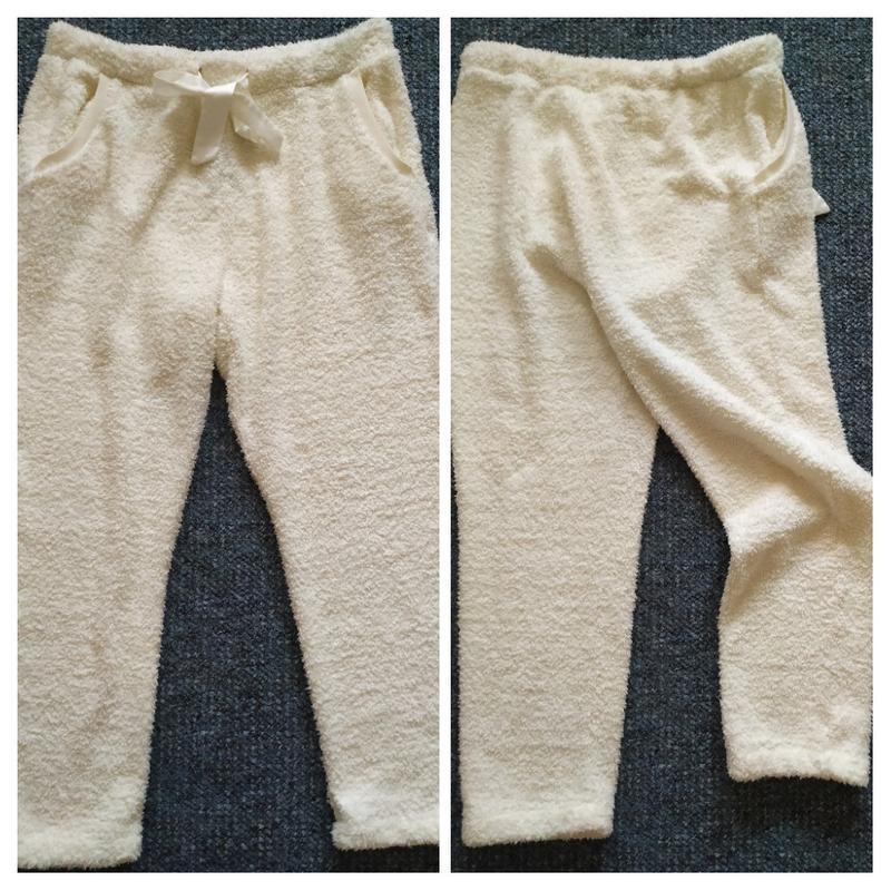 Пушистые теплые штаны для дома кремового цвета