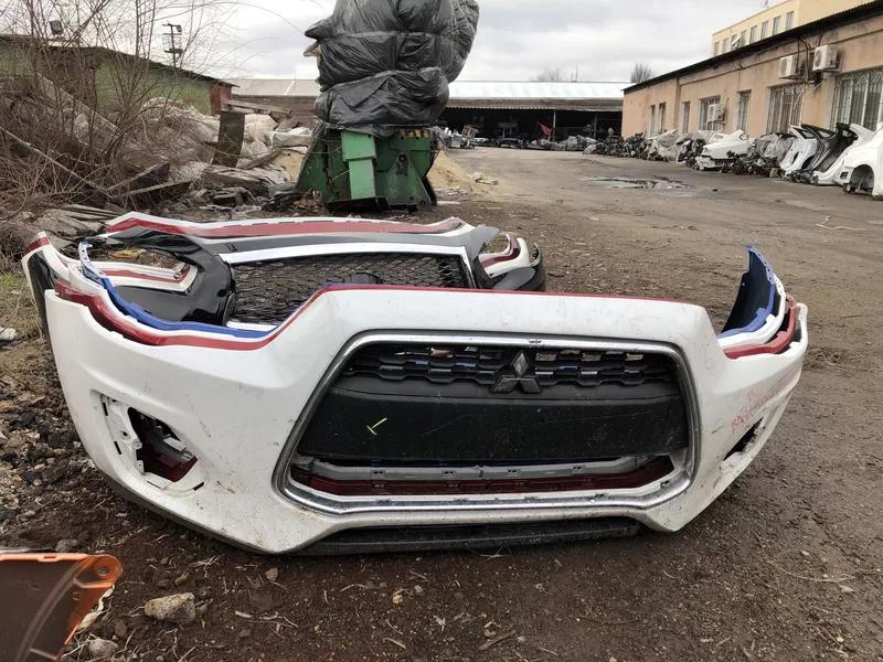 Б/у бампер передний для Mitsubishi Outlander ОРИГИНАЛ США