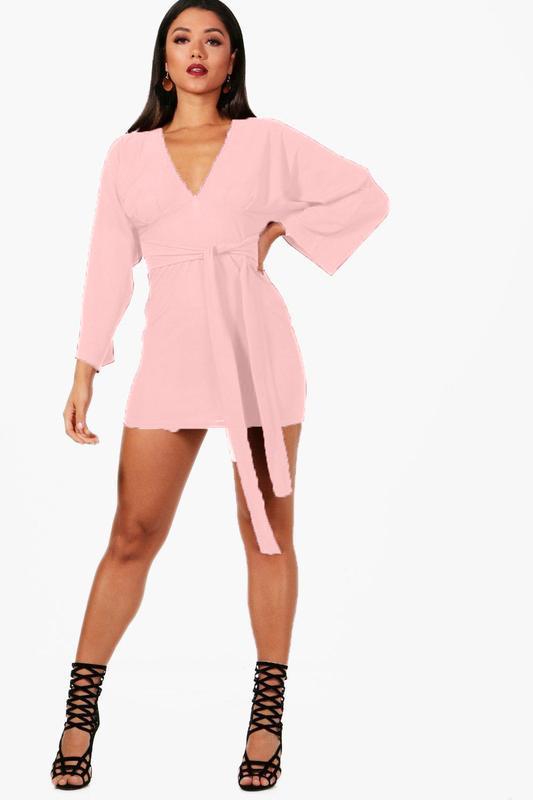 Платье с длинным рукавом кимоно, нюдовое, текстурное.