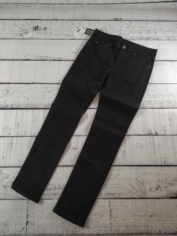 Черные узкие джинсы унисекс