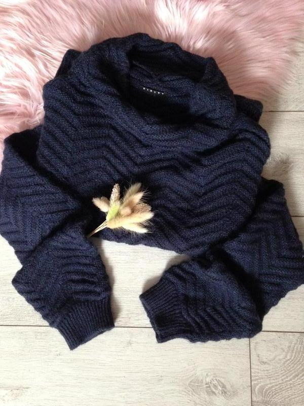 Теплющий фактурный шерстяной свитер под горло /нюанс! sisley