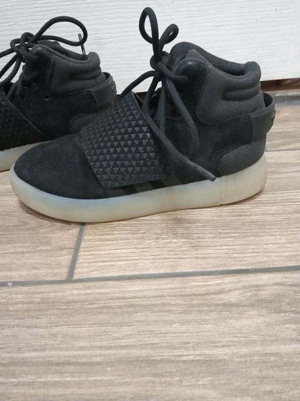 Обув для мальчика adidas