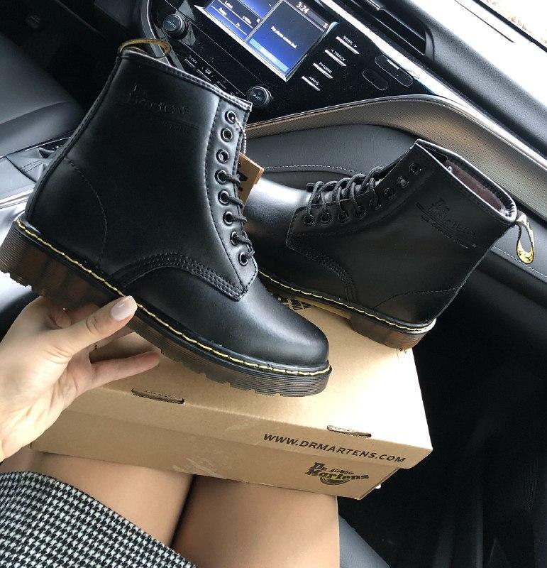 Шикарные женские зимние ботинки с мехом dr. martens 1460 black - Фото 2
