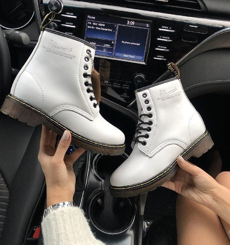 Шикарные женские зимние ботинки с мехом dr. martens 1460 white