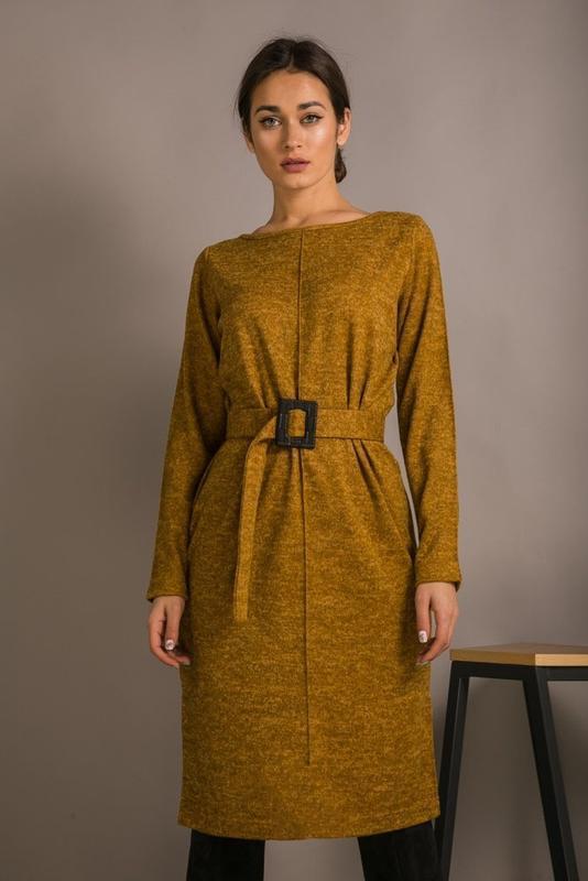Трикотажное платье с длинным рукавом под поясок