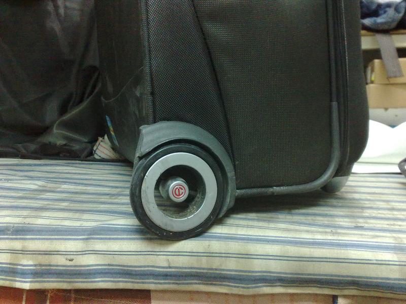 Ремонт любых чемоданов, сумок, портфелей, фурнитуры