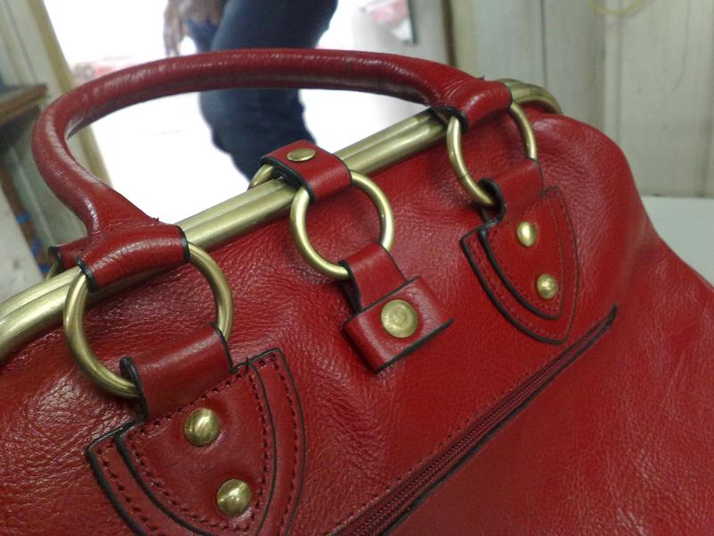 Ремонт любых чемоданов, сумок, портфелей, фурнитуры - Фото 3