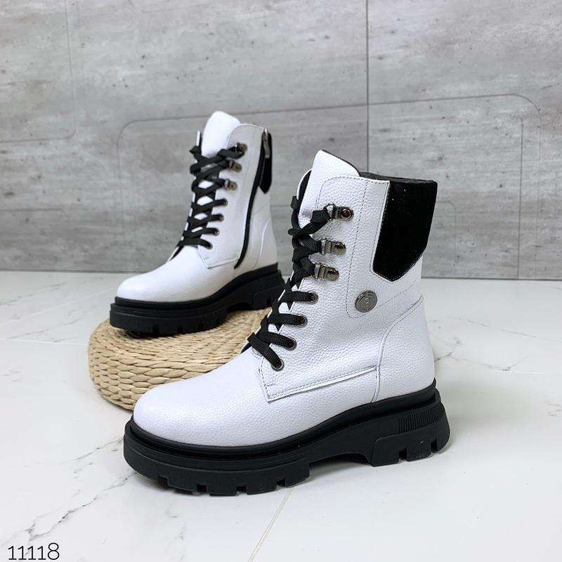 Зимние белые ботинки из натуральной кожи
