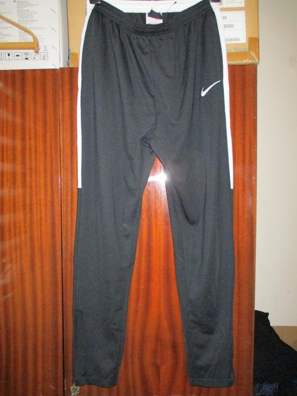 Спортивные штаны nike