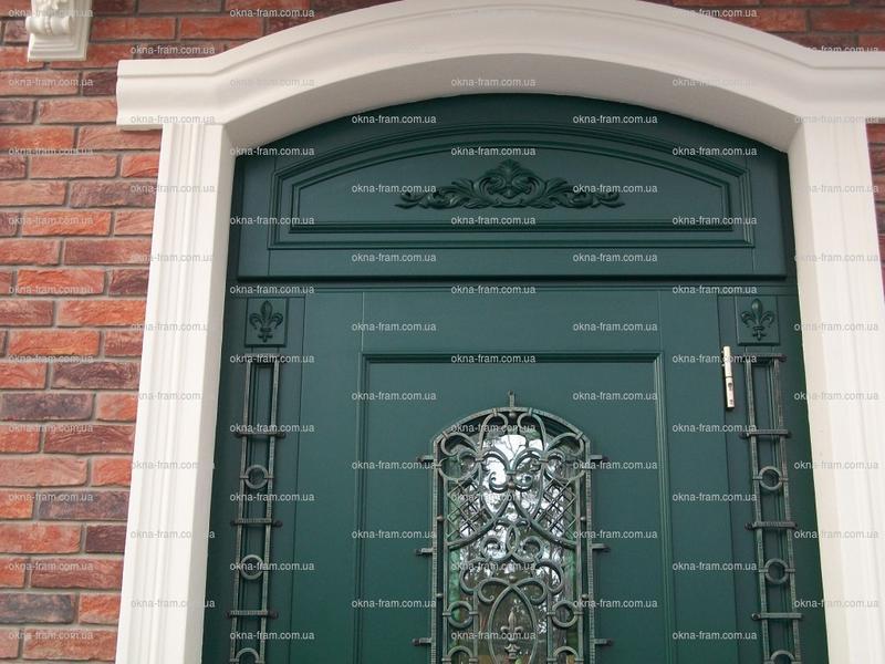 Изготовление деревянных входных дверей